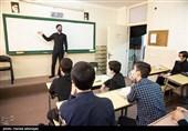 مسئولان تلاش خود را نسبت به رفع دغدغه کادر آموزش اردستان معطوف کنند