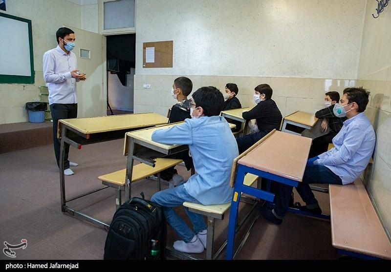 معاون آموزش و پرورش استان کرمان: تصمیم ستاد کرونا مبنای برقراری کلاسهای حضوری است