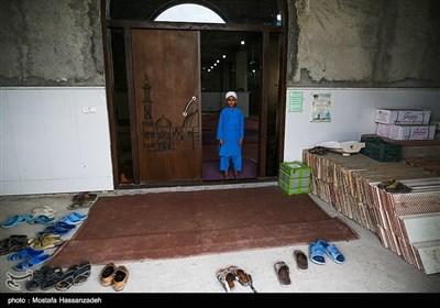 برخی از شاگردها بدلیل مراسم اعتکاف قادر به خارج شدن از مسجد نیستند