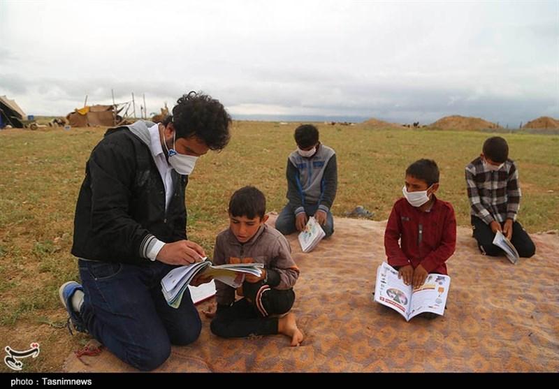 تلاش معلمان کرمانی برای کمک به دانش آموزان بیبضاعت در روزهای کرونایی/ وقتی سرطان هم مانع حضور معلم در کلاس درس نشد