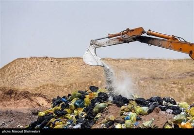 روزانه یک تن زباله کرونایی در ارومیه با رعایت پروتکلهای بهداشتی دفن میشود