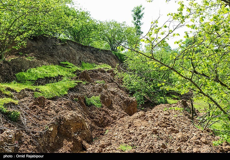 خانوارهای روستای در معرض رانش زمین در آذربایجان شرقی در کانکس اسکان موقت شدند
