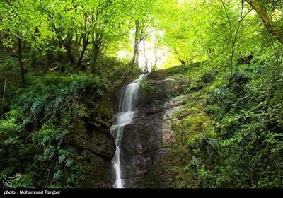آبشار وَزَن بِن - گیلان