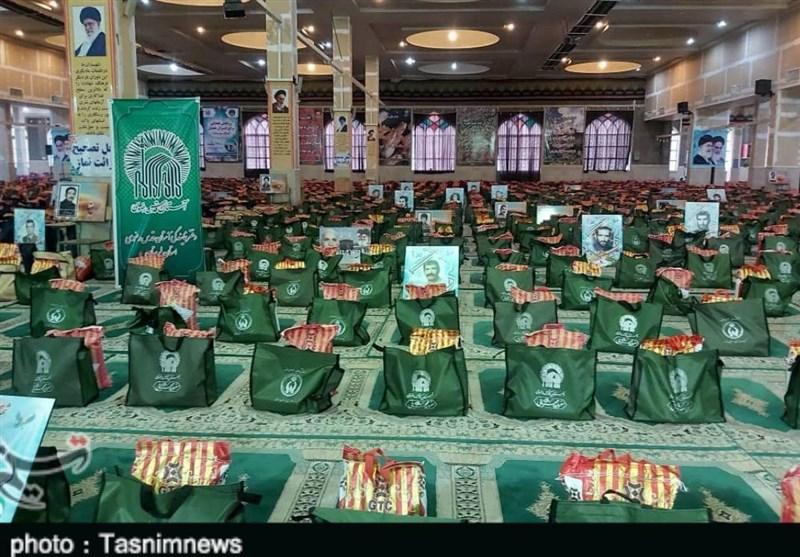 توزیع 6200 بسته غذایی بین نیازمندان لرستان؛ رزمایش کمک مومنانه به نیابت از شهدای استان برگزار شد+ تصاویر