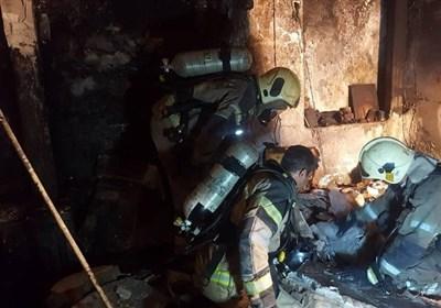 آتشسوزی در خانهای قدیمی با ۱۷ اتاق اجارهای+ تصاویر