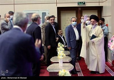 آیتالله حسینی بوشهری عضو هیأت رئیسه مجلس خبرگان رهبری در شورای اداری استان قم