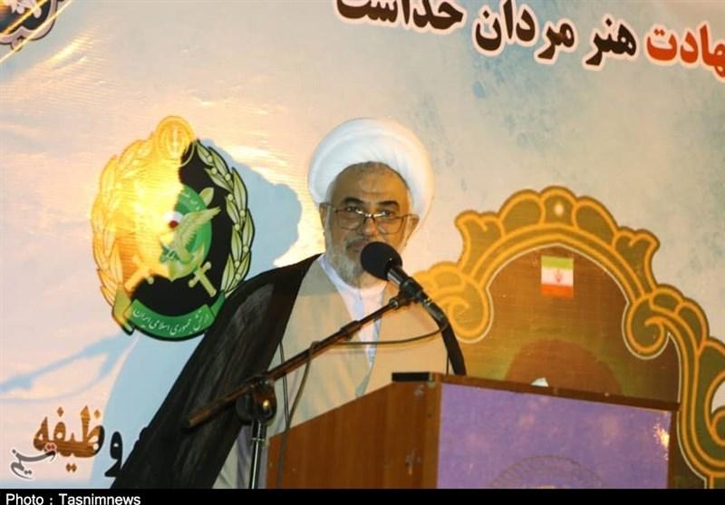 نماینده ولی فقیه در استان هرمزگان: معادلات دشمن با پایمردی نیروهای مسلح به هم ریخته است