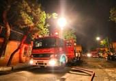 کارگاه بزرگ مبلسازی در شرق تهران طعمه آتش شد + تصاویر