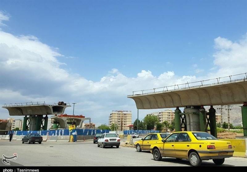 حاشیههای یک افتتاح زودهنگام / مشکلات تقاطع ورودی شهر کرمانشاه همچنان ادامه دارد+ عکس