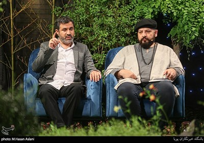 قاسم صرافان و سیدحسین متولیان شاعر در برنامه اینترنتی «قدس آزاد»