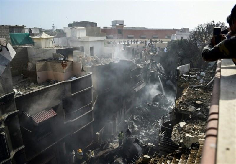 طیارہ حادثہ؛ متاثرہ علاقے کا کوئی رہائشی جاں بحق نہیں ہوا: ڈپٹی کمشنر