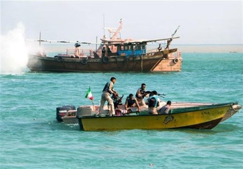 نیروهای دریابانی ابوموسی از قاچاق 30 هزار لیتر سوخت جلوگیری کردند