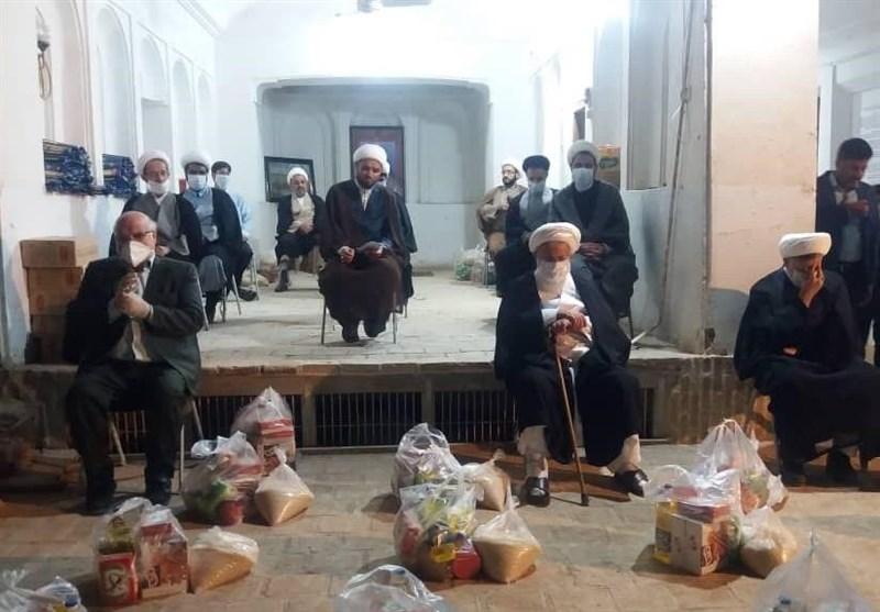 اجرای سنت حسنه مواسات در منزل مرحوم حاج شیخ؛ هزینه احیا به 400 بسته کمک معیشتی تبدیل شد + تصاویر 