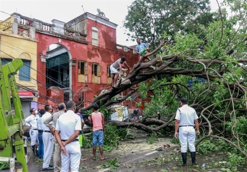 طوفان یکشنبه سبب خسارات بسیاری به منازل مسکونی چند شهر مازندران وارد کرد