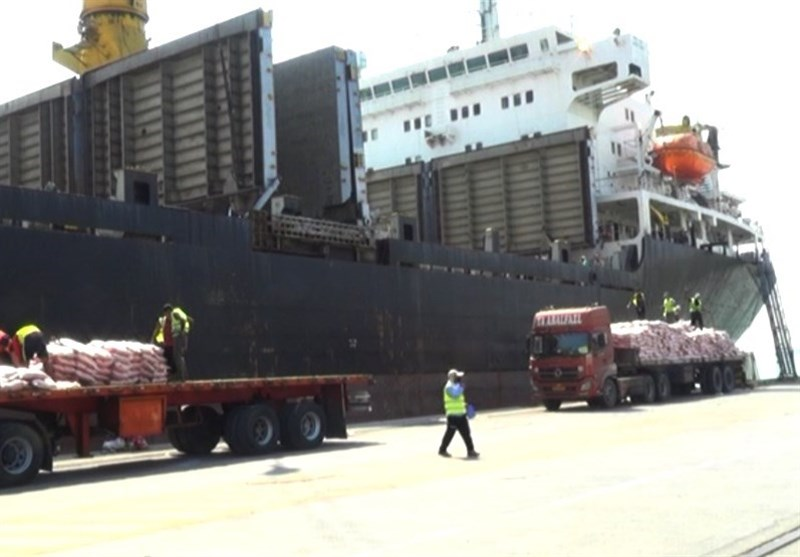 پنجمین کشتی حامل 12 هزار تن برنج در اسکله بندر بوشهر پهلو گرفت