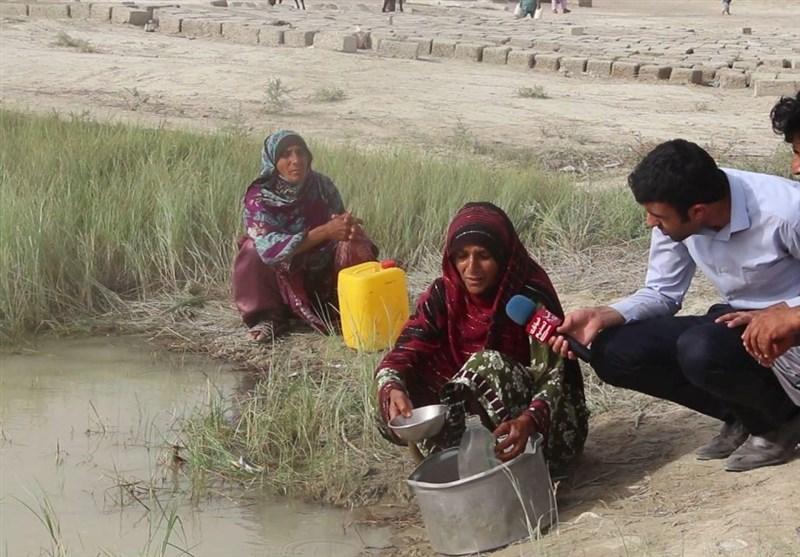 گزارش ویدئویی تسنیم  مصائب تأمین آب در روستاهای سیستان و بلوچستان/ آبرسانی به جمعیت 700 هزار نفری با تانکر