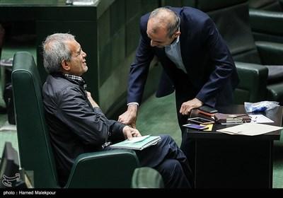 مجتبی توانگر و مسعود پزشکیان در مراسم افتتاحیه یازدهمین دوره مجلس شورای اسلامی