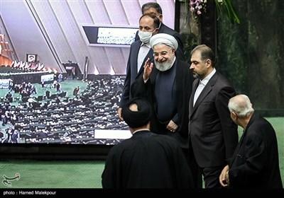 ورود حجتالاسلام حسن روحانی رئیس جمهور به مراسم افتتاحیه یازدهمین دوره مجلس شورای اسلامی