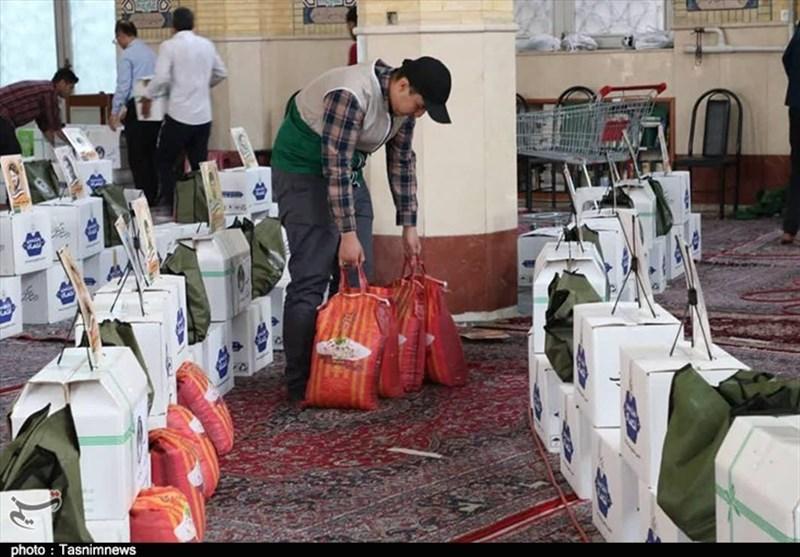 مشق ایثار دانشآموزان البرزی در ایام شیوع کرونا / بستههای کمکمعیشتی بین نیازمندان توزیع شد
