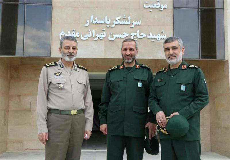 فرمانده کل ارتش با سردار حاجی زاده دیدار کرد