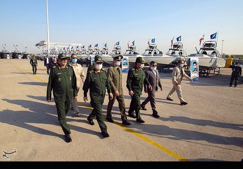 آیین الحاق بیش از 100 فروند شناور ساخت وزارت دفاع به نیروی دریایی سپاه