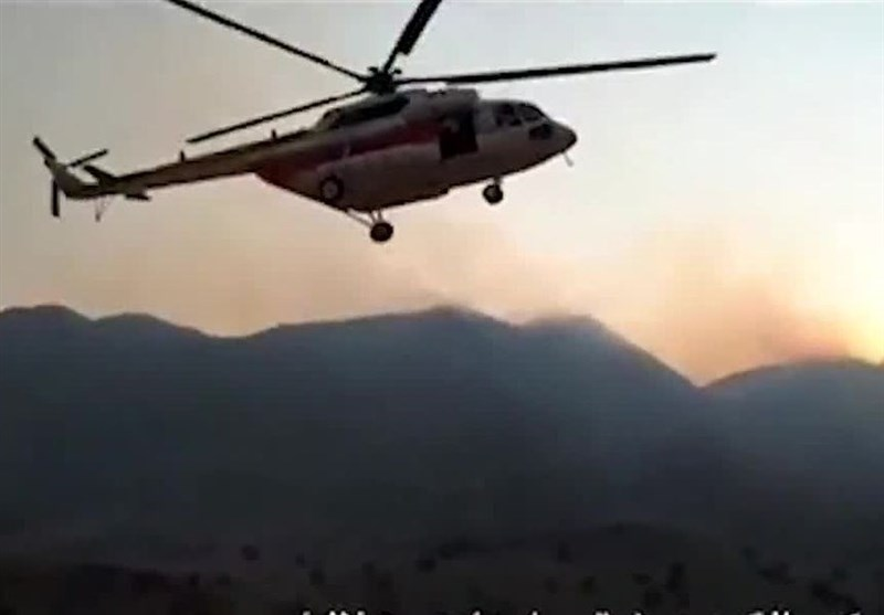 بوشهر|بالگرد هلال احمر برای مهار آتش به منطقه کوهستانی بوشکان دشتستان اعزام شد