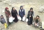 """بیآبی به پای """"دنا"""" رسید؛ روستانشینانی که دبه به دست دنبال آب میگردند"""