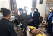 اهدای مدال ملیپوش قایقرانی به شهید مدافع سلامت + تصاویر