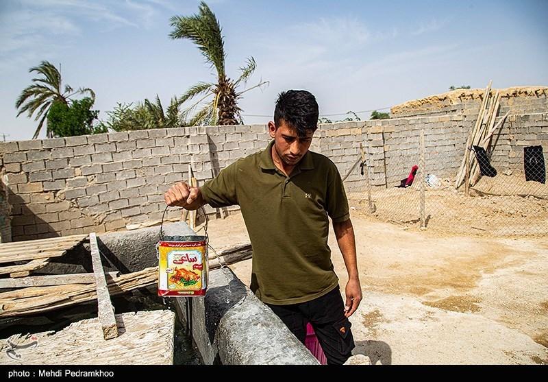 """گروههای جهادی در"""" غیزانیه"""" دست به کار شدند؛ تهیه آب شرب برای مردم + فیلم"""
