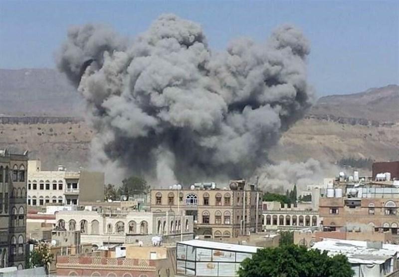 طیران العدوان السعودی یشن عشرات الغارات على عدة محافظات یمنیة