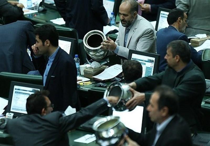 گزارش «شفافیت» راه مقابله با آرای خنثی در مجلس/ چرا برخی نمایندگان در مواقع حساس رای ممتنع میدهند؟
