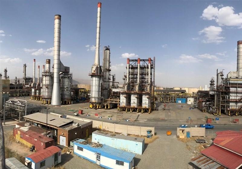 تولید در پالایشگاه نفت تهران از سر گرفته شد / مبارزه ۲۶ ساعته با آتش به پایان رسید