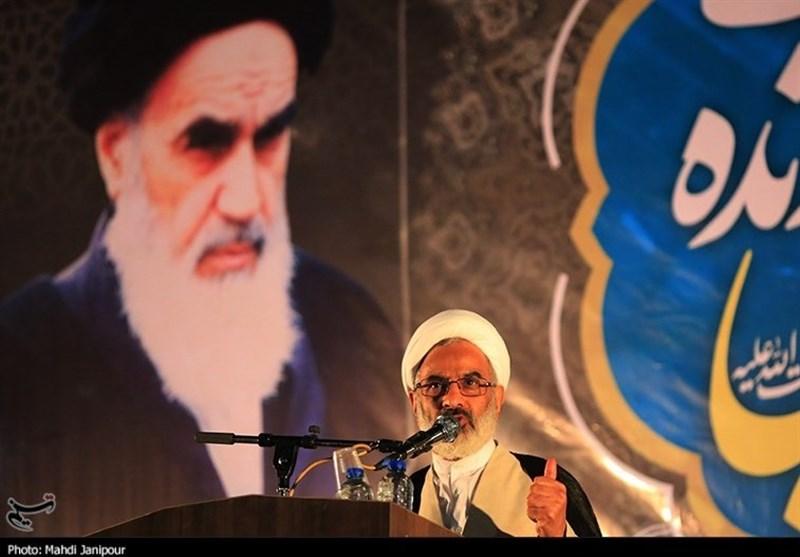 نماینده ولی فقیه در سپاه: انتخاب امام خامنهای به عنوان رهبر انقلاب، نظام ولایی امام راحل را زنده نگه داشت