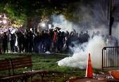 """هشدار کارشناسان سلامت: شلیک """"گاز اشکآور"""" به معترضان آمریکایی باعث افزایش تعداد مبتلایان به کرونا"""