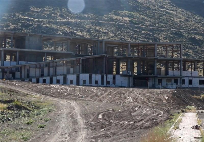 گزارش ویدئویی  باغ موزه دفاع مقدس زنجان چشم به راه اعتبار/ پروژه ارزشمندی که با گذشت 11 سال هنوز خاک میخورد