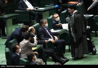 محمد اسلامی وزیر راه و شهرسازی در جلسه علنی مجلس شورای اسلامی