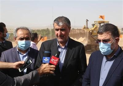 وزیر راه در گفتوگو با تسنیم: حداکثر سقف قرارداد اجاره در تهران 25 درصد و 7 کلانشهر 20 درصد تعیین شد / هیجانات کاذب بازار مسکن را آرام میکنیم