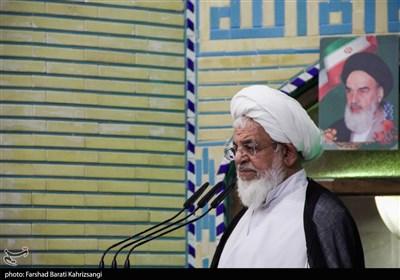 امام جمعه یزد: مسئولان به جای التماس به دشمن به فکر خنثیسازی تحریمها باشند