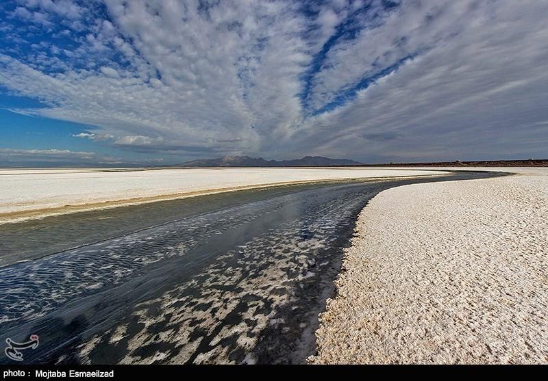 آخرین وضعیت دریاچه ارومیه / عمق بیشتر سطح دریاچه به کمتر از 60 سانتیمتر رسید
