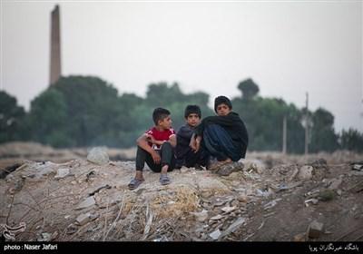 در حاشیه جشن 12 ژوئن (23 خرداد) روز جهانی مبارزه با کار کودکان در منطقه فیروزآباد ورامین
