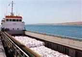 بارگیری محموله صادراتی سیمان از بندر چابهار به دبی
