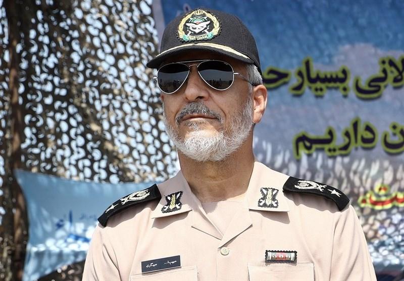 دریادار سیاری : آمادگی ارتش برای اجرای ماموریت پدافند زیستی / وضعیت پادگانهای ارتش مطلوب است