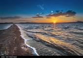 بهرهگیری از ظرفیت دریاچه نمک قمبرای توسعه توریسم درمانی/دریاچه نمک در راه جهانیشدن