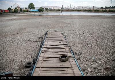 خشک شدن دریاچه شهربازی کرمانشاه