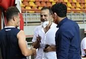 رمضانی: برخی تیمها چون بالای جدول رفتند، صحبت از تعطیلی لیگ میکنند/ بهتر است مرد و مردانه رقابت کنید!