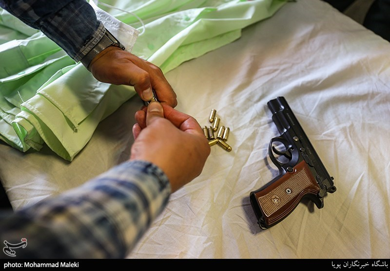 زورگیری مسلحانه از فروشندگان دلار در میدان فردوسی+ تصاویر,