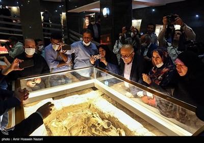 نمایش گور بانوی سه هزار ساله سگزآباد در موزه شهر قزوین