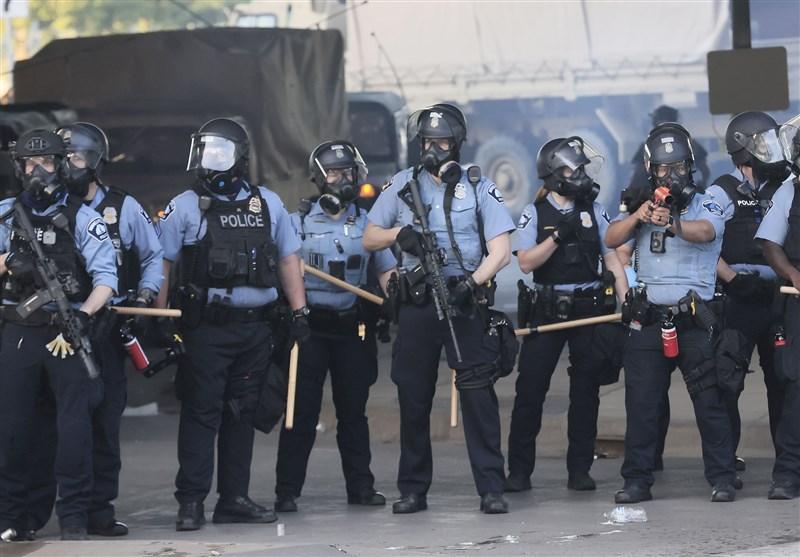 دومین شب ناآرامیها در مینیاپولیس در اعتراض به قتل یک شهروند سیاهپوست