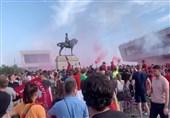 جماهیر لیفربول تشعل حریقاً فی مبنى تاریخی خلال احتفالها بلقب الدوری