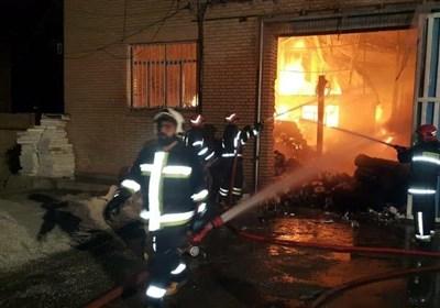 آتشسوزی گسترده در ۳ سوله بزرگ + تصاویر